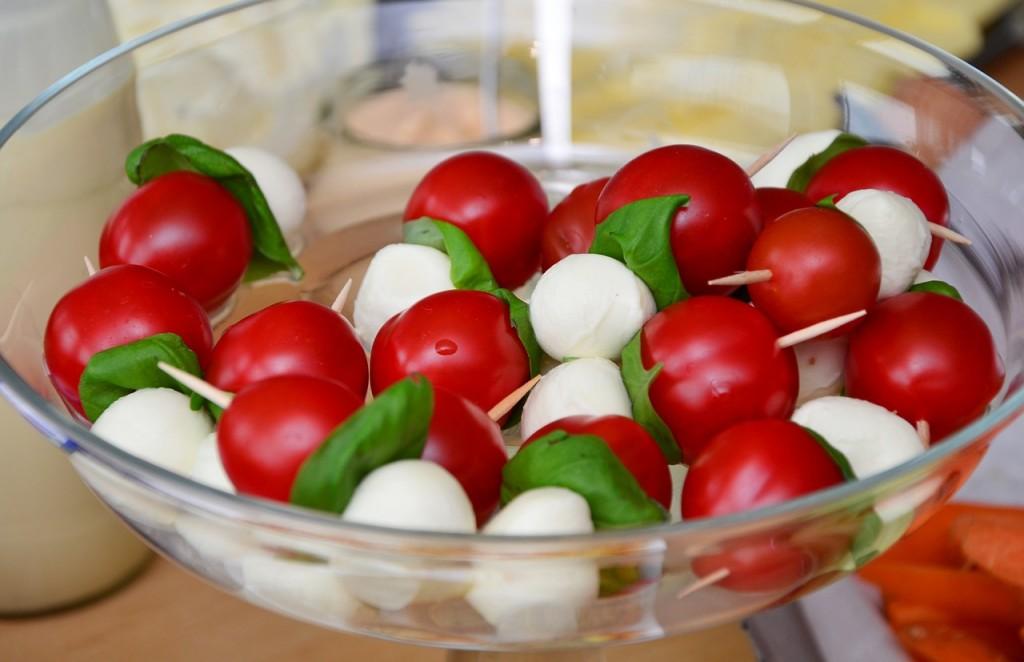 tomato-mozzarella-653838_1280-1024x662